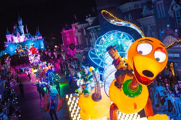Disney Paint the Night, Hong Kong Disneyland Park & Disneyland Park ©Disney