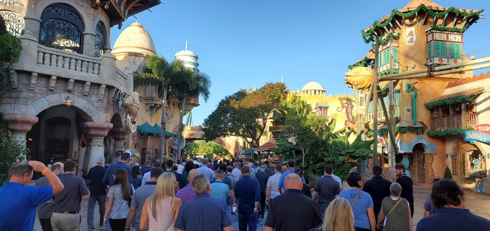 TEA Eastern Division enjoys a magical morning at Universal in October 2019